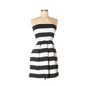 Doe & Rae Strapless Black & White Pleated Dress M
